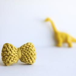 Bow ring knitted in chartreuse: READY TO SHIP