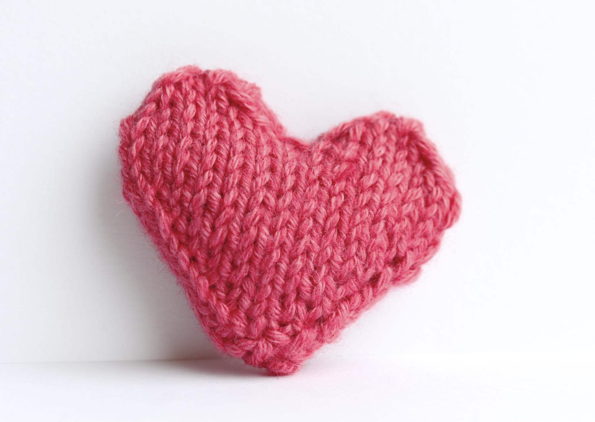 Heart Pin Brooch Knitted In Bubblegum Pink on Luulla
